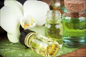 03E8000004052422-photo-huiles-essentielles